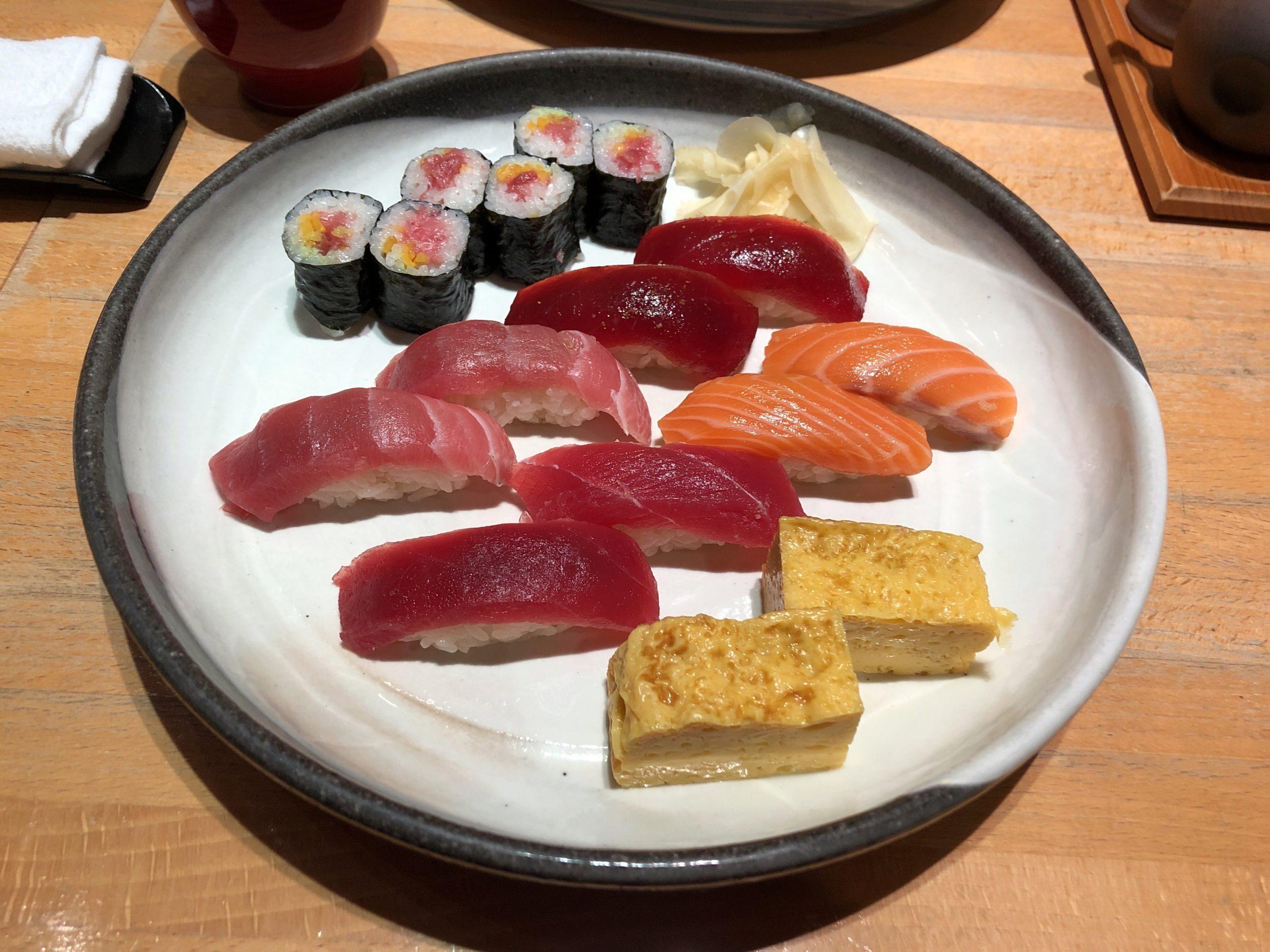 国技 館 寿司