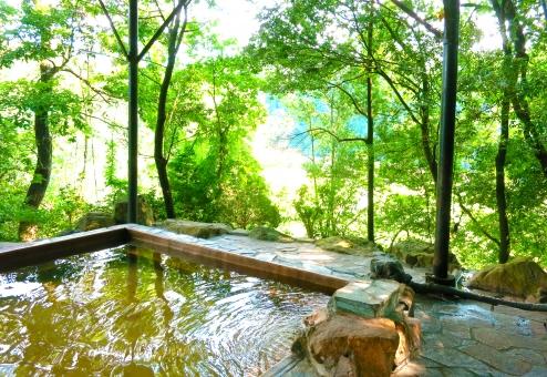 Do you know Japanese public bath - Onsen ?